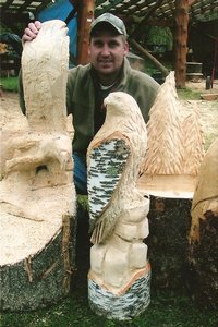 Dean Woyak showing the beautiful falcon he carved